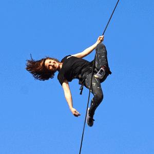 Leandra Giese, Stuntfrau, Performerin, Vertical Dance