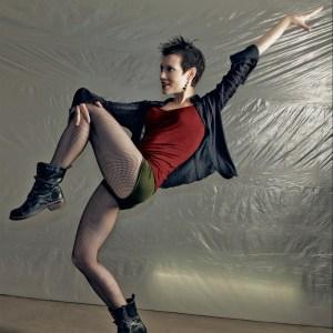 Monika Orendy Viranyi, Bühnentänzerin, Choreographin und Vertical Dance, Performerin